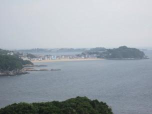 野島から望む篠島海水浴場