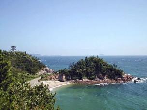 歌碑公園より望む鯨浜(くじはま)